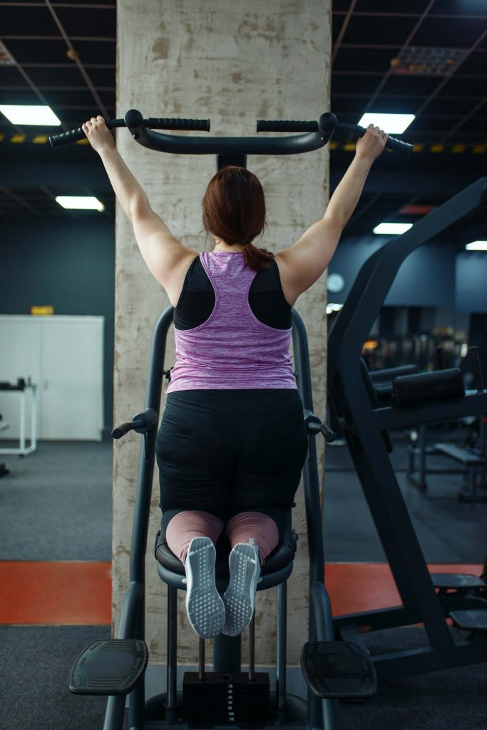 HodgeonRepeat blog - obese woman doing modified pull up