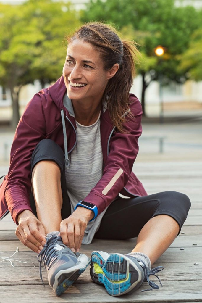 HodgeonRepeat blog - woman lacing sneakers before workout - 10-minute rule