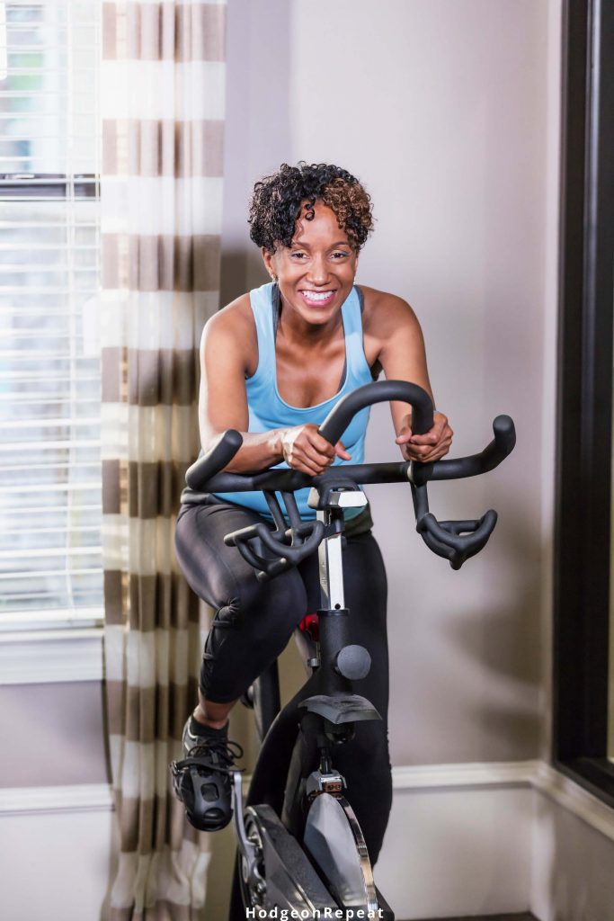 HodgeonRepeat blog - health and fitness new roundup - cardio - woman on spin bike